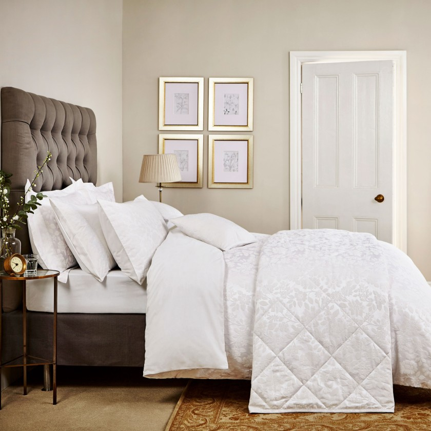 flora-white-main-bed_4